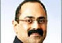 <a href='http://features.ibnlive.com/chat/view/256.html'>View chat with MP Rajeev Chandrasekhar on polls</a>