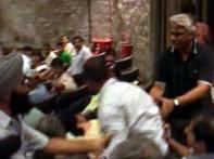 Sene men disrupt Pak journos' talk in Delhi