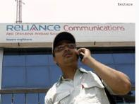 Reliance Comm's Q4 net down 3.3 pc, beats forecast