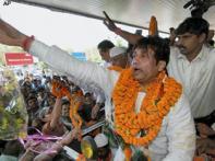 Shekhar Suman supporters resort to vandalism in Bihar
