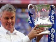 Chelsea win FA Cup as Hiddink bids farewell