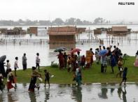 W B flood toll reaches 100, situation grim