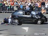 <a href='http://ibnlive.in.com/photogallery/1332.html'>In pics: Car rams into Dutch Queen's parade, kills 5</a>