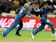 <a href='http://cricketnext.in.com/slideshow/g616/f0/view.html'>In pics: IPL's flying and falling cricketers!</a>