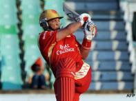 <a href='http://cricketnext.in.com/news/tendulkar-opts-to-bat-against-bangalore/40531-27.html'>IPL: Bangalore steamroll Mumbai by 9 wkts</a> | <a href='http://cricketnext.in.com/scorecard/match/213880.html'>Score</a> | <a href='http://cricketnext.in.com/slideshow/g619/view.html'>Pics</a>