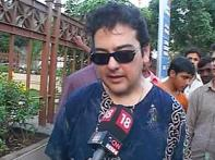 Singer Adnan Sami's father passes away