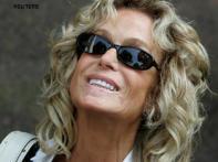 <i>Charlie's Angels</i> actress Farrah Fawcett dead