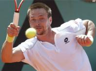 Soderling strolls into French Open semis, Murray out