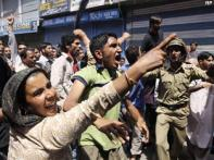 Srinagar protests against women's deaths for 5th day