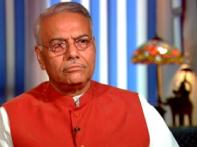 Split BJP gags leaders as Yashwant Sinha resigns