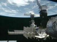 Space shuttle Endeavour set to land back to earth