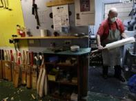 Aussie's passion, making English Willow bats