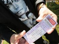MJ memorial ticket pickup going smoothly, police say