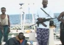 Somali pirates leave dhow; release 14 Indian crew