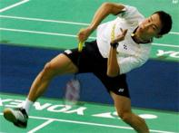 Top seeds advance in World Badminton Championships