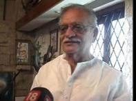 <i>Kaminey</i> not an abuse, it's an endearment: Gulzar
