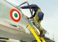 Pilot killed in Indian Navy Sea Harrier crash