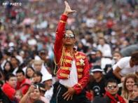 Beat it: 13,000 fans go for <i>Thriller</i> record in Mexico