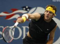 Del Potro enters US Open semis, rain strands Nadal