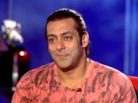 Salman's fans carry out anti-piracy raids