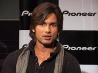 Post-<i>Kaminey</i>, Shahid charges Rs 15 cr per film