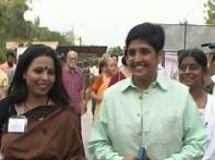 Activists, celebs root for Kiran Bedi as new CIC