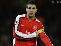 Fabregas scores twice as Arsenal thrash Alkmaar
