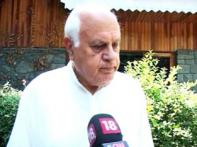 Kashmir: Farooq for prepaid mobile, PC says no