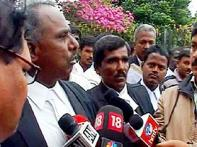 Karnataka HC lawyers protest against Dinakaran working