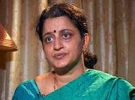 I am angry with the system, says Karkare's wife