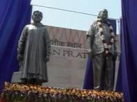 Statue building spree: UP chief secy apologises to SC