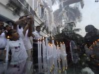 Mumbai bustles but also remembers 26/11 victims