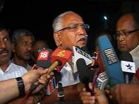 Yeddyurappa meets BJP leaders, dissidents in Delhi