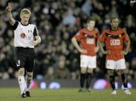 Fulham stun Man United; Portsmouth beat Liverpool
