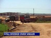 Left, Mamata still divided over abandoned Singur land