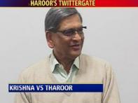 Krishna slams Tharoor for tweets on visa norms
