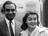 Gayatri Devi's heirs fight Government for gold