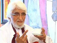 MF Husain gives up his Indian passport