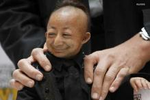 World's smallest man dies of heart attack at 21