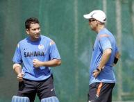 Tendulkar's coach Ramakant Achrekar felicitated