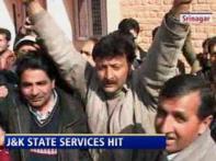 Govt staff strike paralyses life in Srinagar