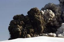 Volcanic ash disrupts air travel for 4th day