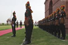 Don't treat armymen like 'beggars': SC to govt