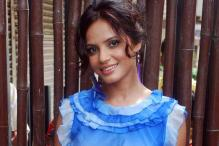 No vulgarity in bathing scene: Neetu Chandra