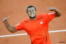 Tsonga survives five-setter at French Open
