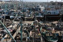 Cyclone Phet hits Pak's coast, 10 killed