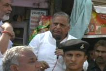 Mulayam warns Mainpuri DM over demolition