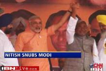 Nitish snubs Narendra Modi, BJP in a fix