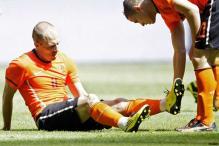Arjen Robben limps off in Netherlands' 6-1 win