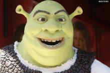 'Shrek' brushes off 'Sex', stays atop box office